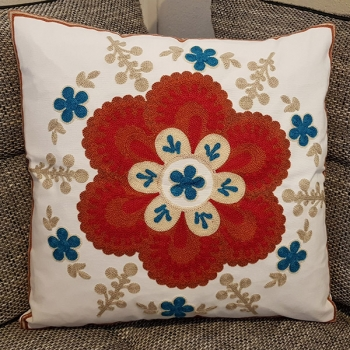 Cotton throw pillow is unique, embroidered with modern and beautiful design | Santini